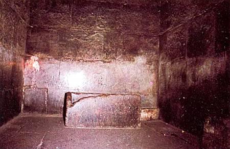 Усыпальница фараона в пирамиде Хеопса