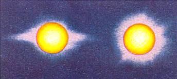 Солнечная корона в минимуме активности Солнца (слева) и в максимуме (справа).